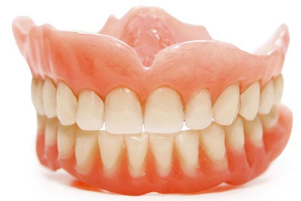 入れ歯の調整・新調